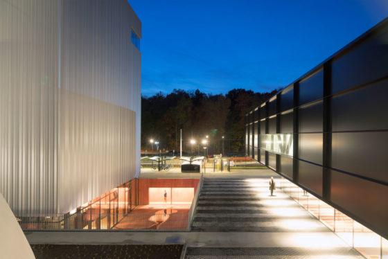 Museumplein limburg in kerkrade door shift architecture urbanism 19 560x374