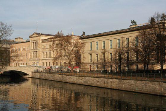 Neues museum in berlijn door david chipperfield 2 560x376