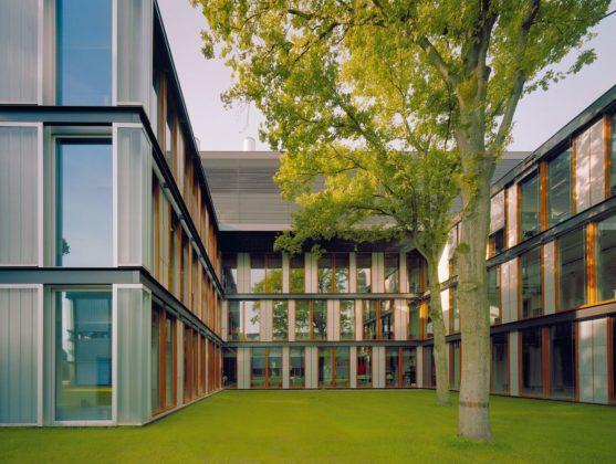 Onderwijsgebouwen in enschede door architecten van mourik 5 557x420