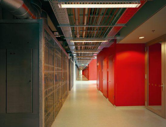 Onderwijsgebouwen in enschede door architecten van mourik 6 547x420