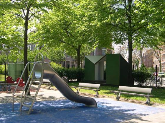 Openbaar pop up toilet easehouse in rotterdam 8 560x420