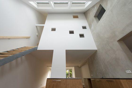 Renovatie rijtjeshuis in wassenaar door global architects 10 560x373
