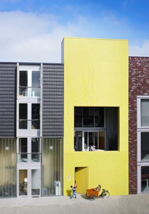 Sodae house in amstelveen door vmx architects 12 293x420