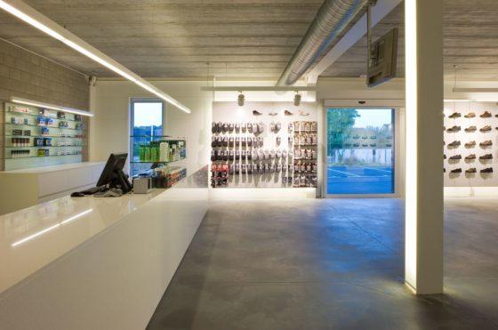 Sportwinkel top running in wuustwezel door puur interieurarchitecten 8 560x371