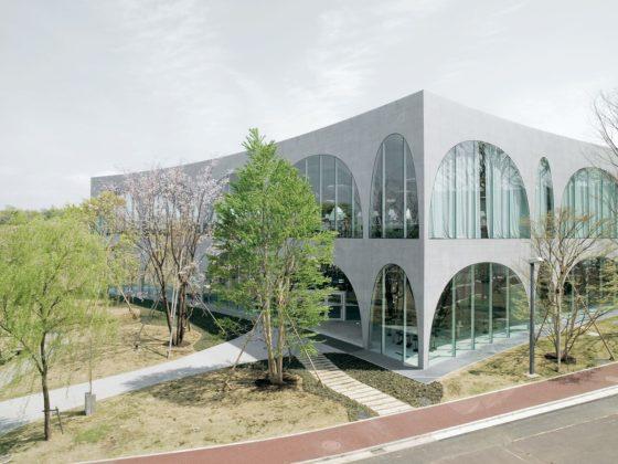 Tama art university library op de hachioji campus hachioji city tokyo door toyo ito 1 560x420