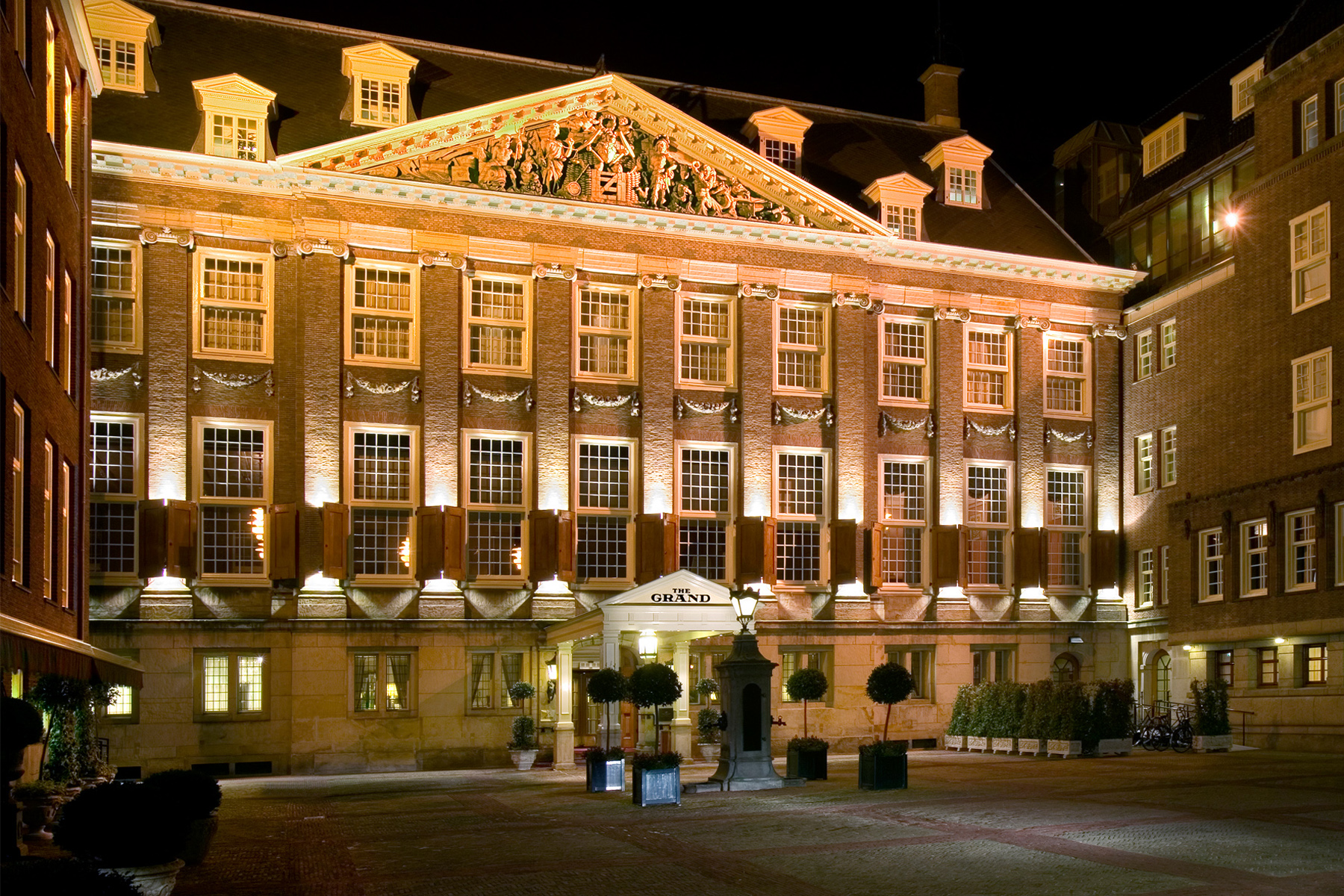 The grand hotel in amsterdam de architect for Amsterdam hotel
