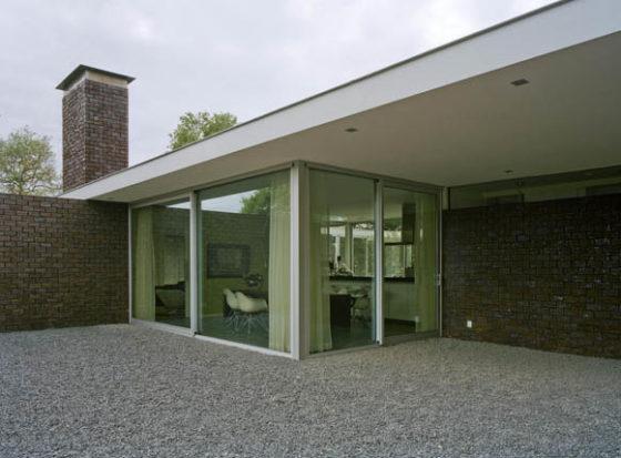Villa 1 560x413