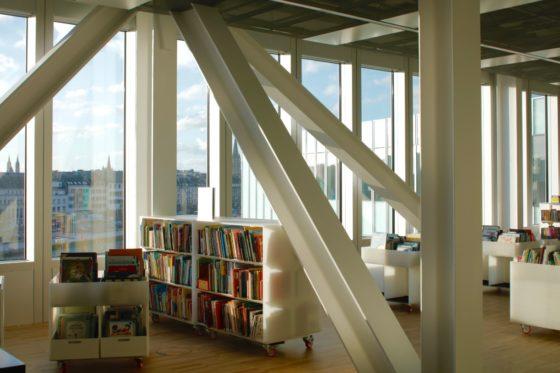 06 biblioth%c3%a8que alexis de tocqueville photo philippe ruault 560x373