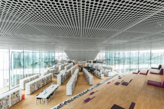 08 biblioth%c3%a8que alexis de tocqueville  photo by delfino sisto legnani and marco cappelletti 560x373