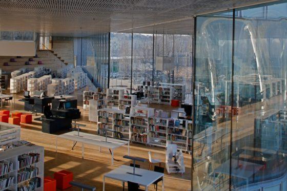 08 biblioth%c3%a8que alexis de tocqueville photo philippe ruault 560x373