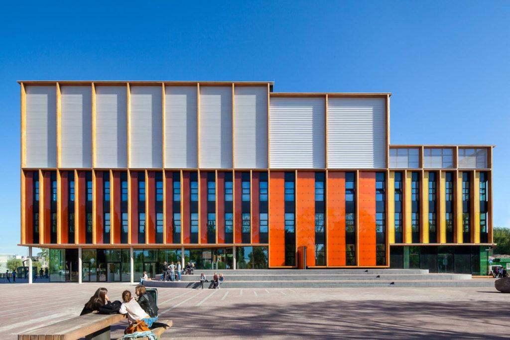 Winnaar Publieksprijs Nederlandse Bouwprijs 2017: 4e Gymnasium door Paul de Ruiter Architects