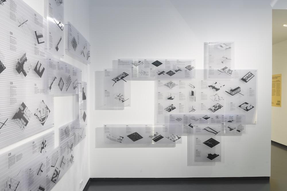 101 straten van ZUS op de huidige tentoonstelling (foto Peter Cox, van Abbemuseum Eindhoven)
