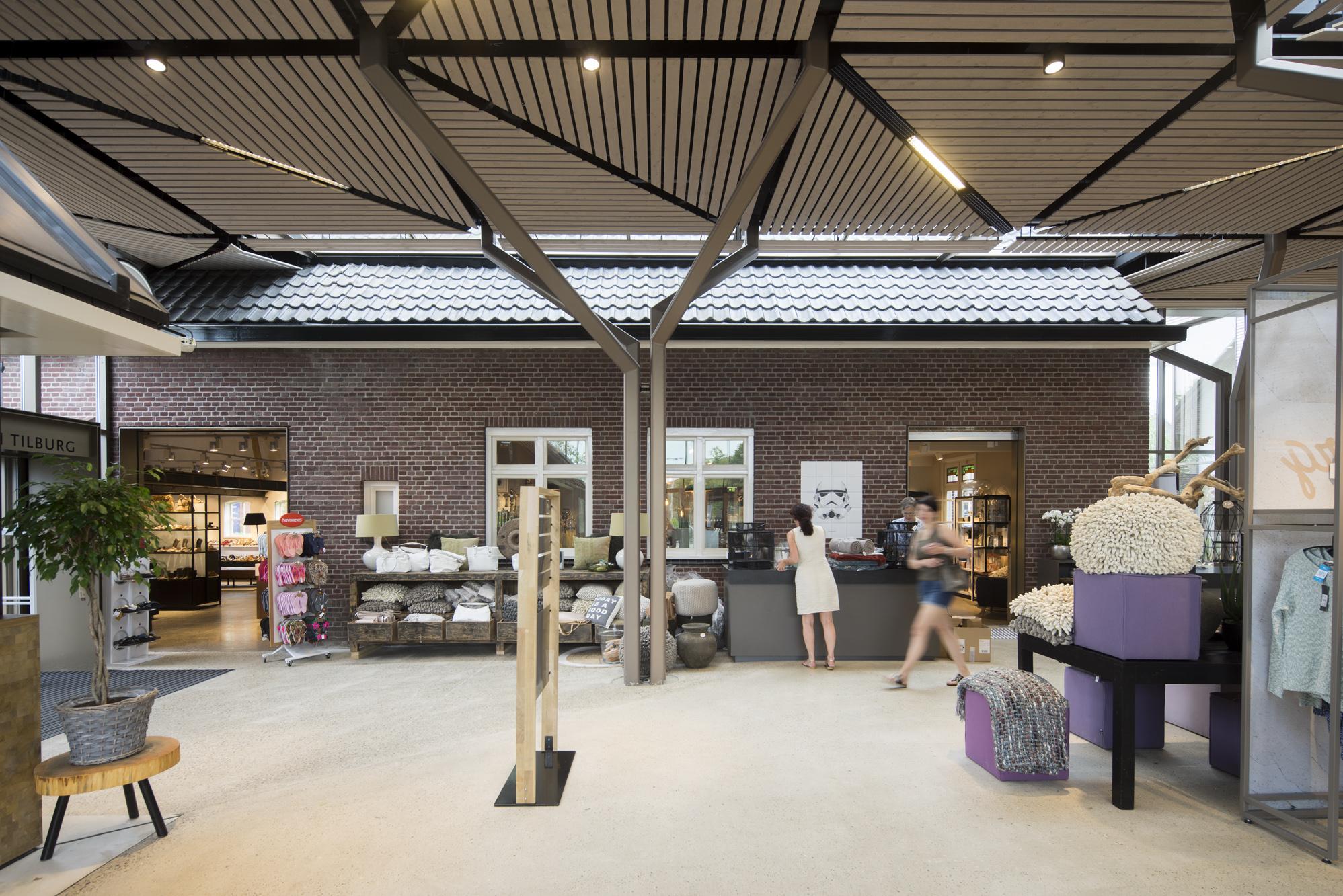 Van Tilburg Mode Jassen : Het overdekte erf hilberinkbosch de architect