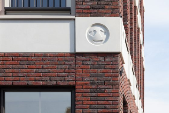 Emoticon facade attika architekten 12 560x373