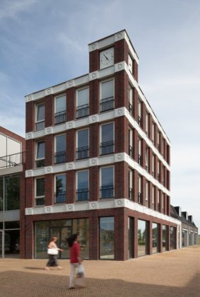 Emoticon facade attika architekten 3 283x420