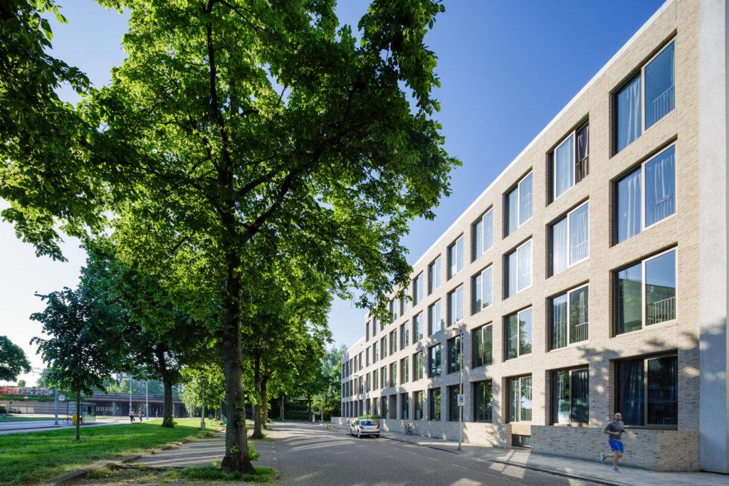 Transformatie kantoor Nijenoord 2-4 door diederendirrix architectuur & stedenbouw (Foto: Bas Gijselhart | BASEPHOTOGRAPHY)