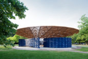 Video: Serpentine Pavilion 2017 door Diébédo Francis Kéré