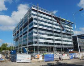 Stroomopwekkende ramen van PHYSEE voor gebouwen in Eindhoven en Amsterdam