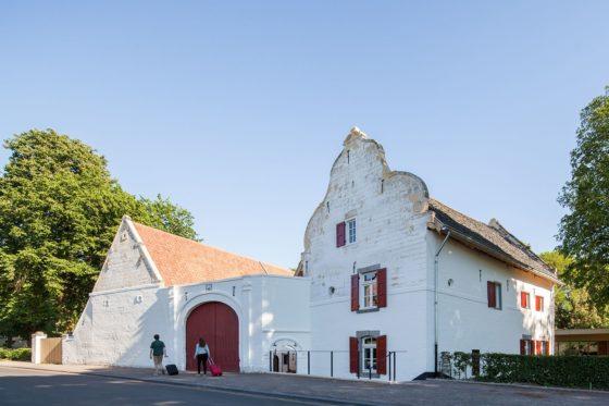 05 st. gerlach paviljoen en kasteelhoeve  mecanoo 560x373