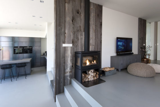 07 fireplace and living marc architects 560x373