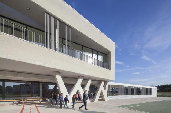 11 bekkering adams architects schoolcampus peer scagliolabrakkee uitkraging basisschool de magneet 560x373