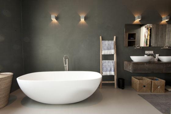 14 bathrooms marc architects 560x373