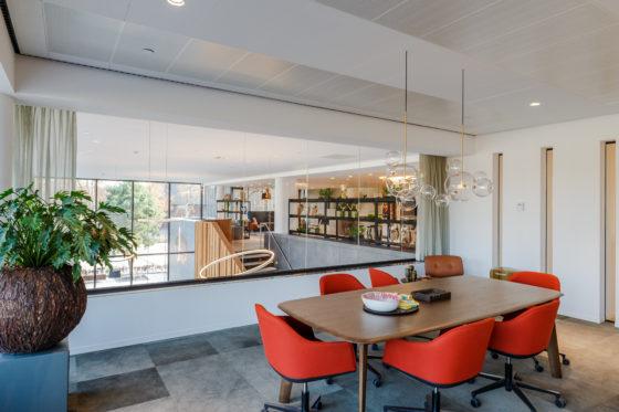 Agio kantoor met zicht op centrale hal bo2 architectuur en stedenbouw 560x373