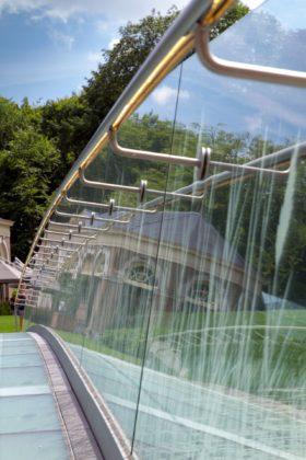 Arc17 detail   glazen brug ruurlo hans van heeswijk   octatube   foto 2 280x420