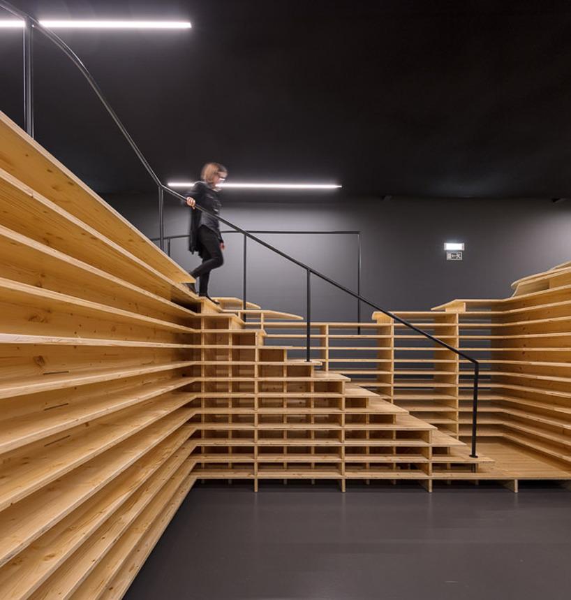 Opinie Jeroen Apers tentoonstelling gelaagdheid in hout