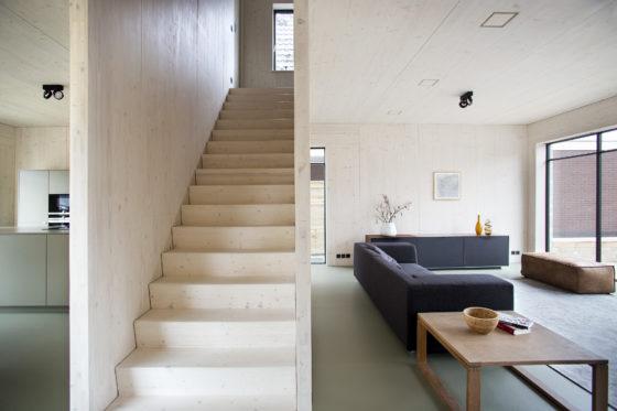 Kaw ahs interieur trap 560x373