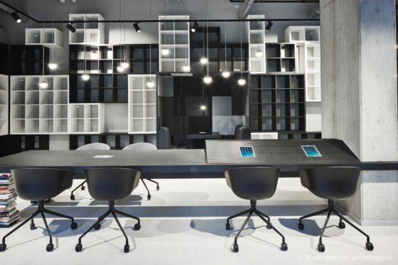 M r ilge bookstore   flexspace table black white 560x373