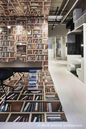 M r ilge bookstore view c 280x420