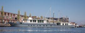 Woonschip B18 – UrbanShips