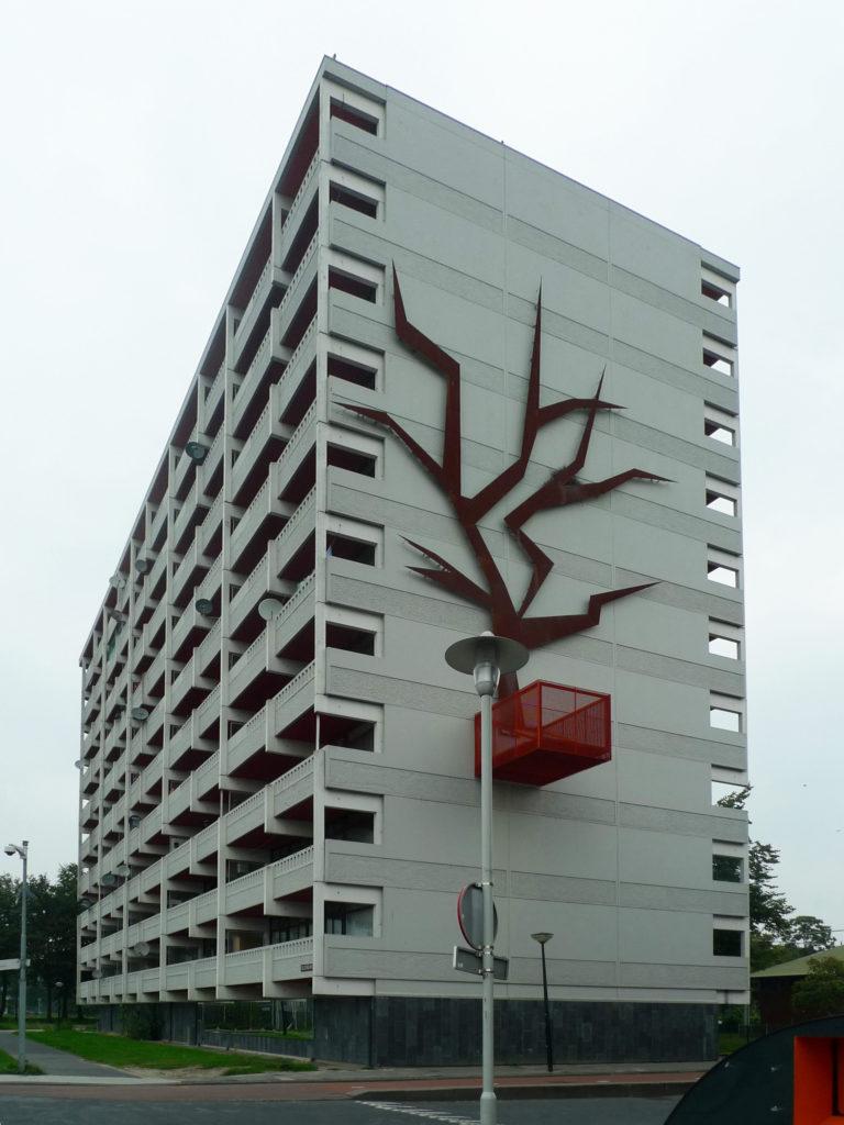 Een flat in de Bijlmer