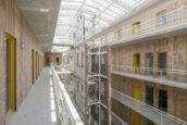 Nieuw licht op donker pakhuis – Kaaspakhuis in Gouda door Mei Architects and Planners