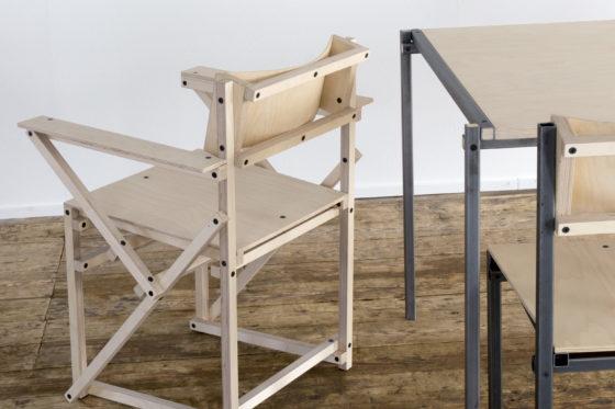 Arm chair basic table chair 560x373