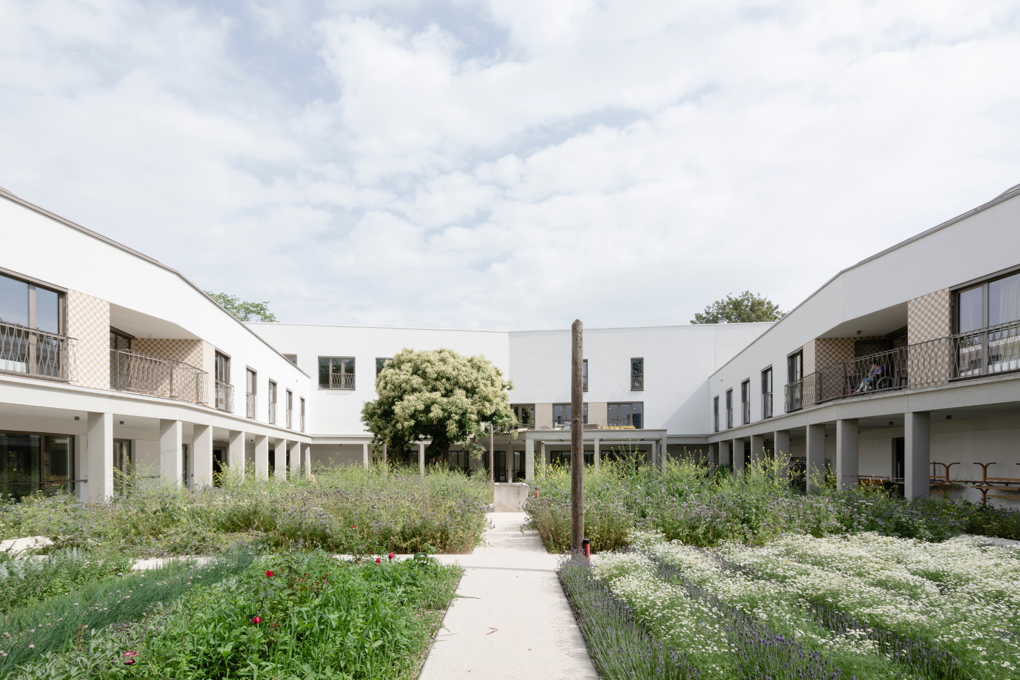 Woonzorgcentrum OCMW Parkhof Machelen door Korteknie Stuhlmacher Architecten, beeld Maurice Tjon a Tham