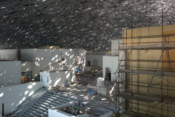 Louvre abu dhabi construction %c2%a9 fouad elkoury architect ateliers jean nouvel 560x373