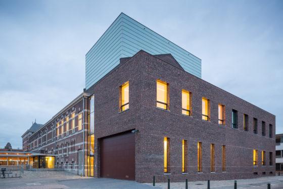 Restauratie en uitbreiding schouwburg kunstmin greiner van goor huijten architecten bv11 560x373
