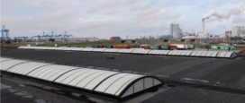 In daglicht controleren in Rijksinspectieterminal Douane Rotterdam