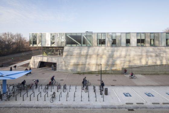 Topsportschool antwerpen tss %e2%80%93 compagnie o architecten foto timvandevelde 2 560x373