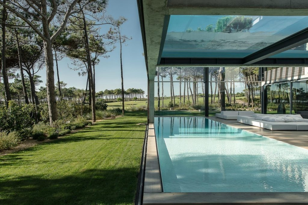 Apers_Zwembad_Guedes Cruz_The Wall House