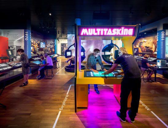 Museum fur kommunikation kossmann.dejong 8 548x420