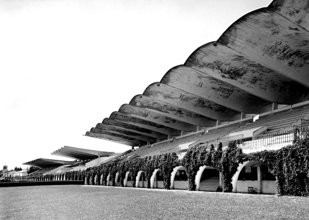 Hipódromo de la Zarzuela in Madrid door Eduardo Torroja