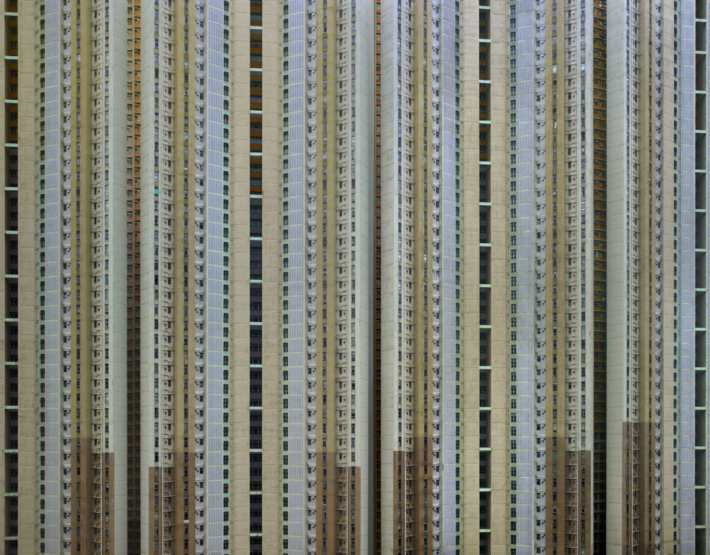 Michael Wolf, Architecture of Density, Hong Kong 2003-2014. © Michael Wolf 2018, courtesy Galerie Wouter van Leeuwen