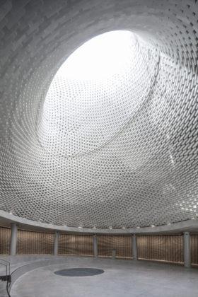 Mount herzl memorial jeruzalem kimmel eshkolot architects. foto amit geron 10 280x420