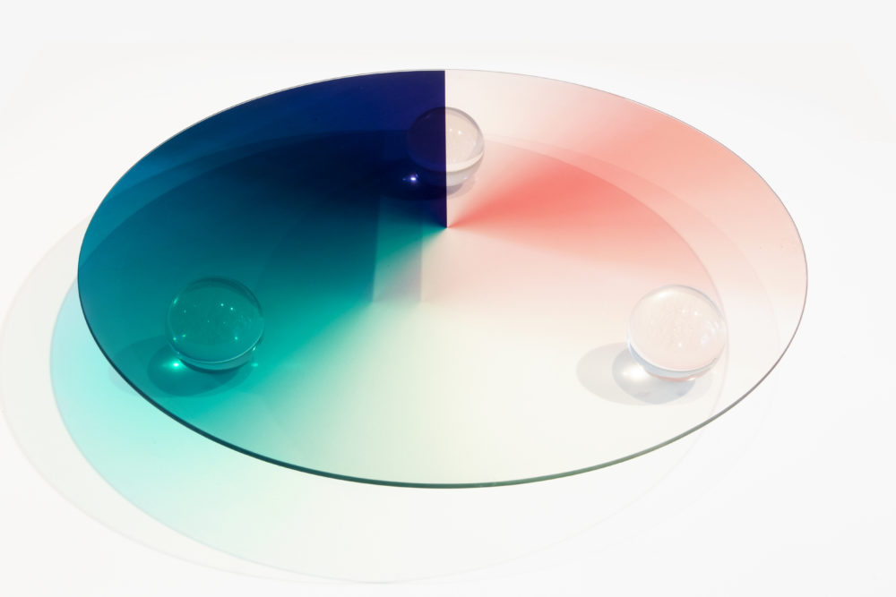 Object 2018 Rotterdam: Trichroic tafel van Rive Roshan