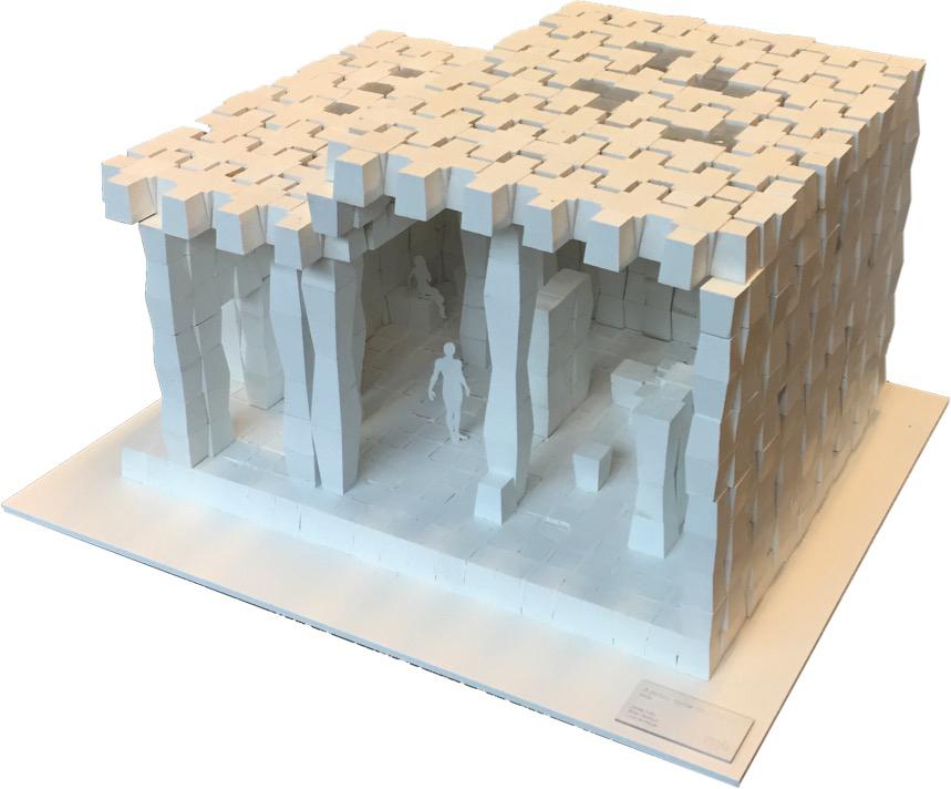 Ontwerp prototype Bin-air: zelfbouwsysteem met een soort emmers die met zand gevuld worden en waarmee hier een hammam gebouwd is, van Luuk de Rouw en Brian Bekken