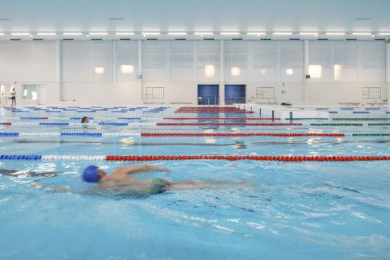 Zwemcentrum rotterdam kraaijvanger architects foto ronald tilleman 8 560x373